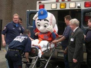 injured-mr-met